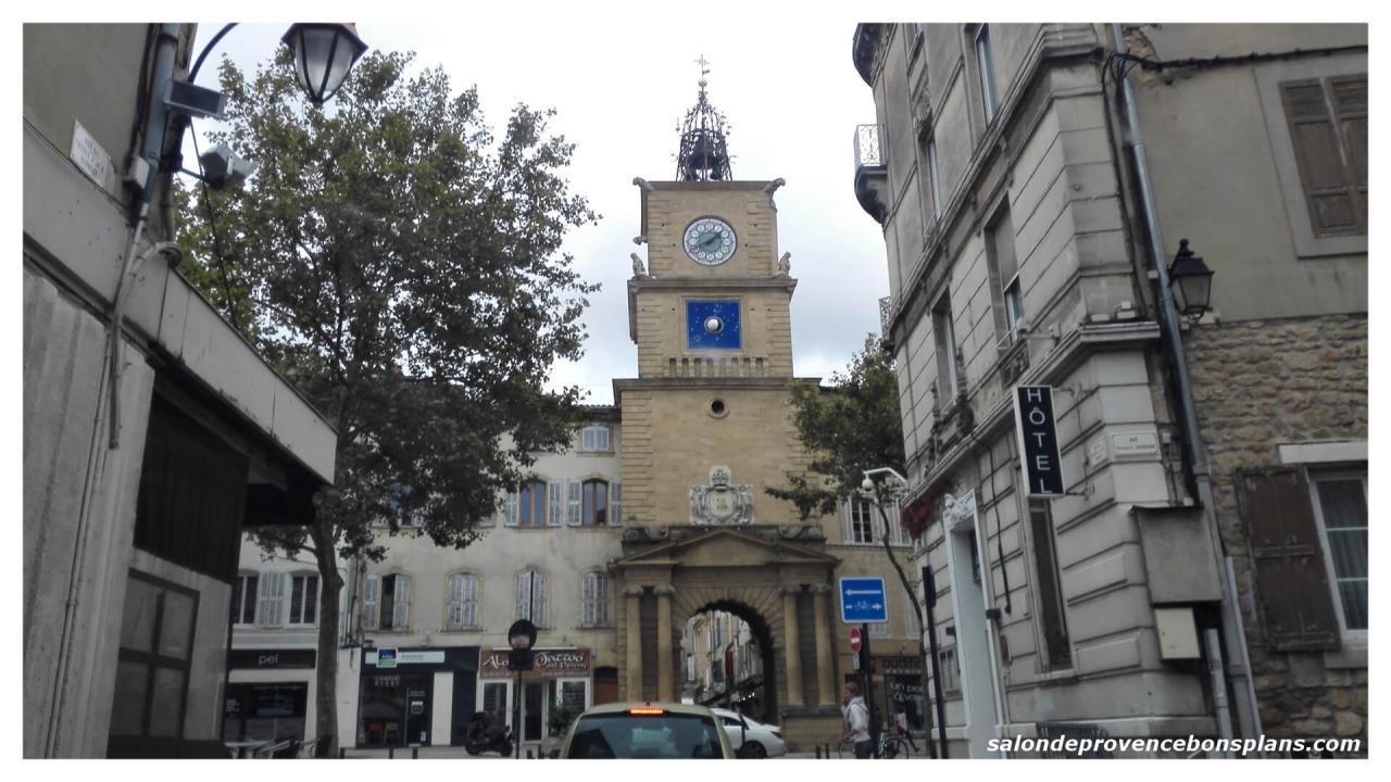 Retrouvez les photos de salon de provence for Porte de l horloge salon de provence