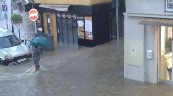 Centre ville salon de provence inondation
