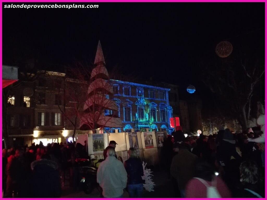 Lancement des illuminations de no l salon de provence for Hotel de ville salon de provence