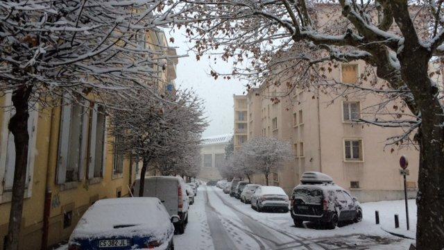 La neige arrive cet apres midi en provence